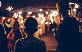 Organizacja wesel przez agencję artystyczną to sposób na nietuzinkowy pomysł na wesele.