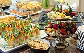 Zapewniamy catering na imprezach firmowych, a także catering dla gwiazd w ramach imprez.